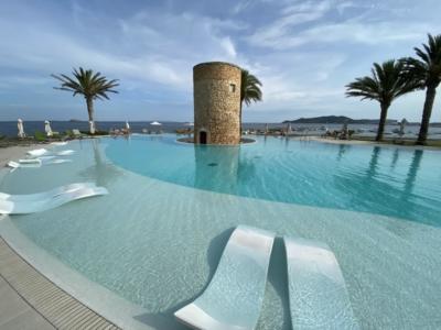 Ibiza Torre del Mar pool
