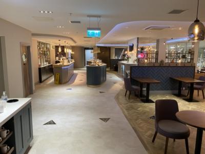 Luton Airport Aspire Lounge bar