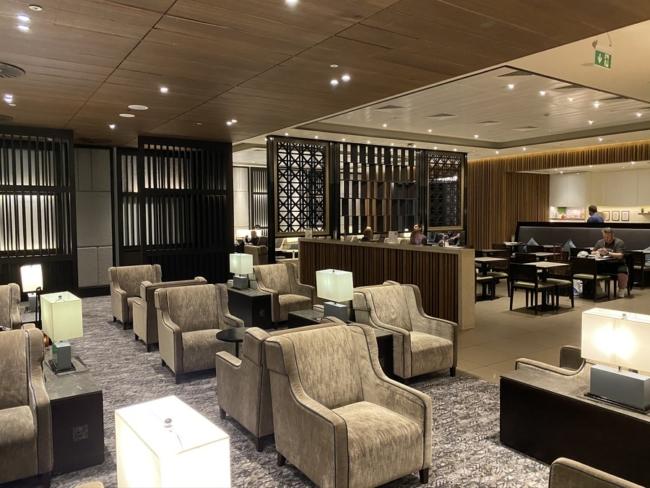 Plaza Premium lounge Heathrow Terminal 2 review