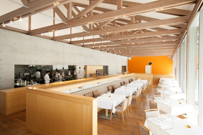 Review Benesse House Museum hotel, Naoshima, Japan