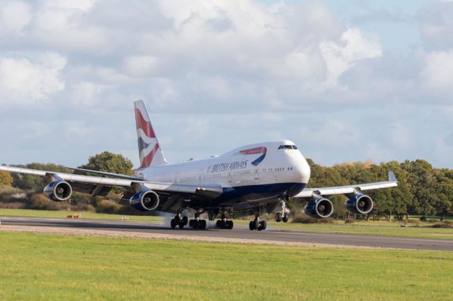 BA 747 Dunsfold Aerodrome landing