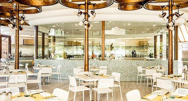 Holiday Inn Resort Kandooma Maldives review
