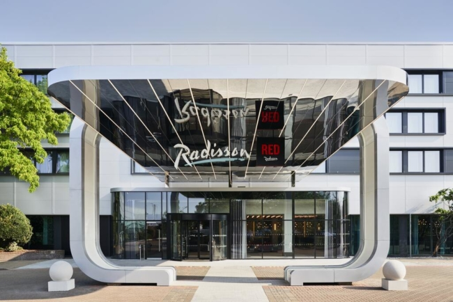 Radisson RED Heathrow
