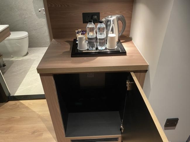 Radisson Heathrow Hotel kettle