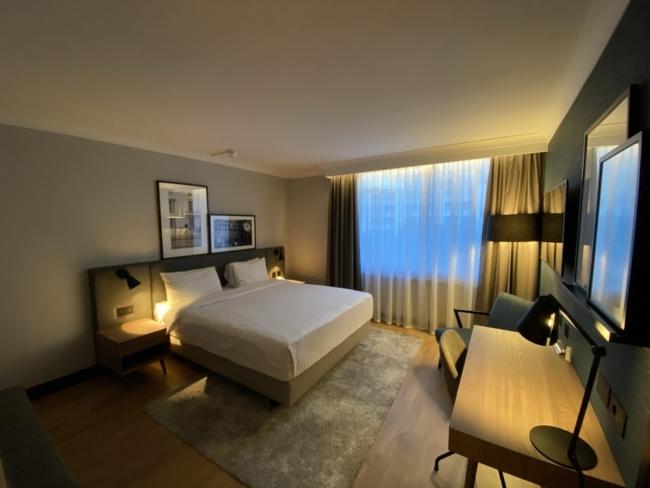 Radisson Heathrow Hotel room