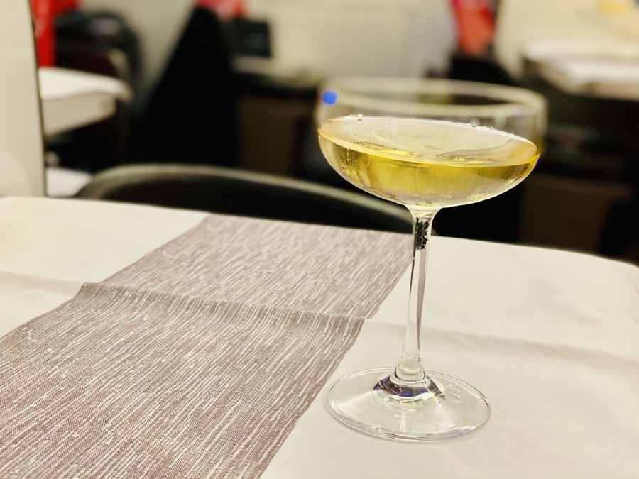 Virgin Atlantic 747 champagne