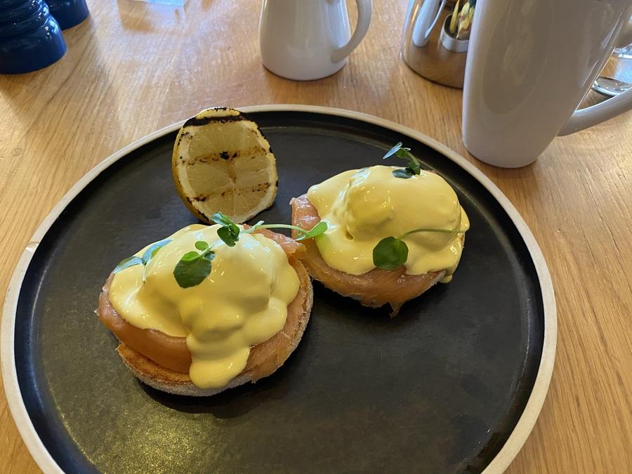 London Marriott County Hall breakfast eggs royale