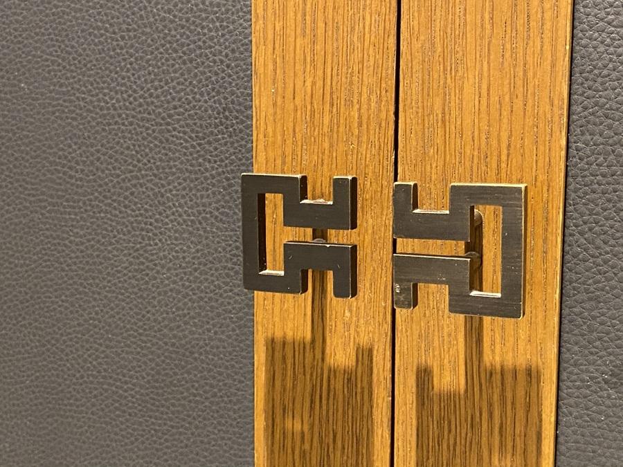 London Marriott County Hall door knobs