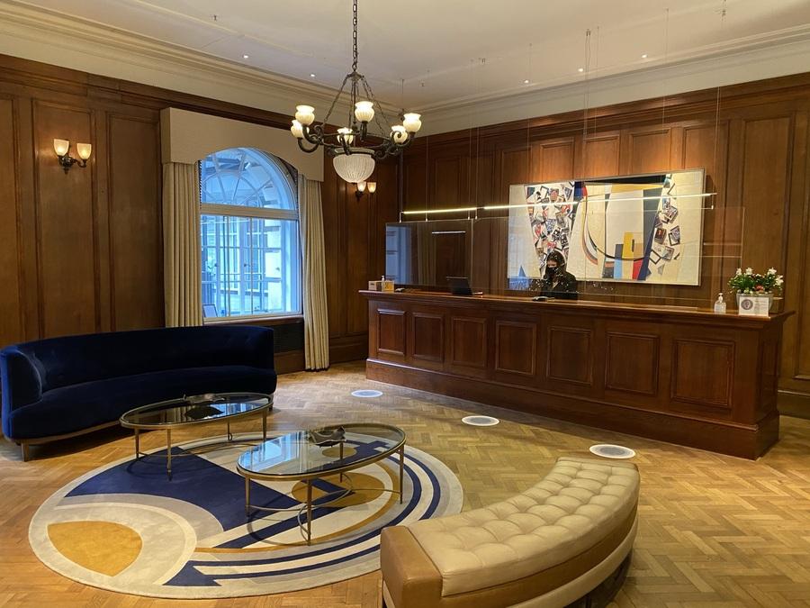 London Marriott County Hall lobby