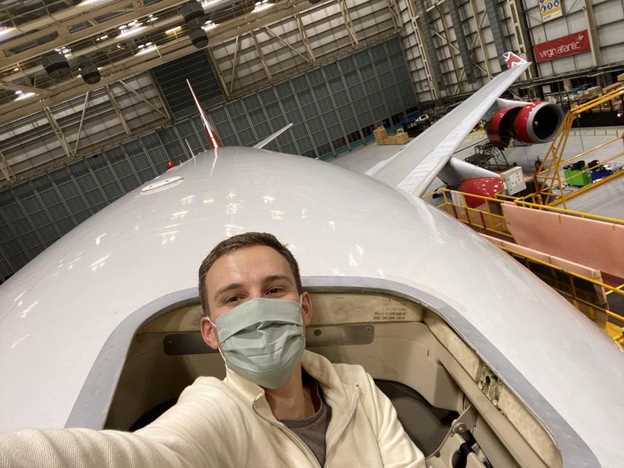 Virgin Atlantic 747 escape hatch