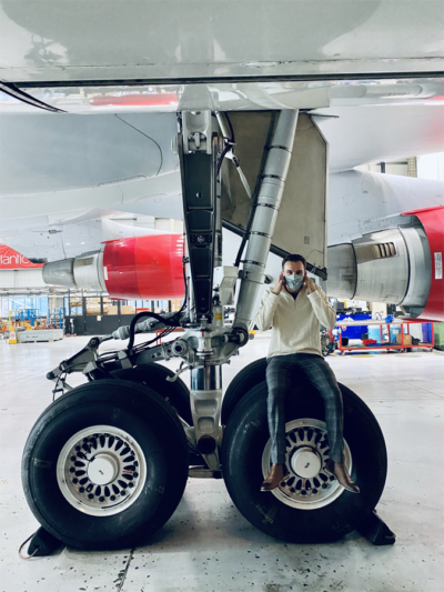 Virgin Atlantic 747 landing gear size comparison