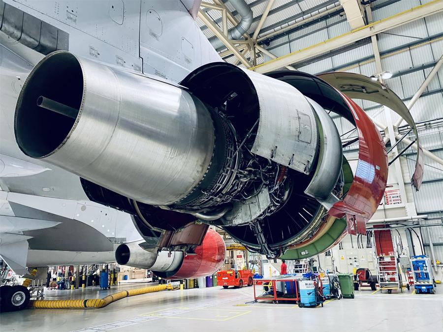 Virgin Atlantic 747 turbofan