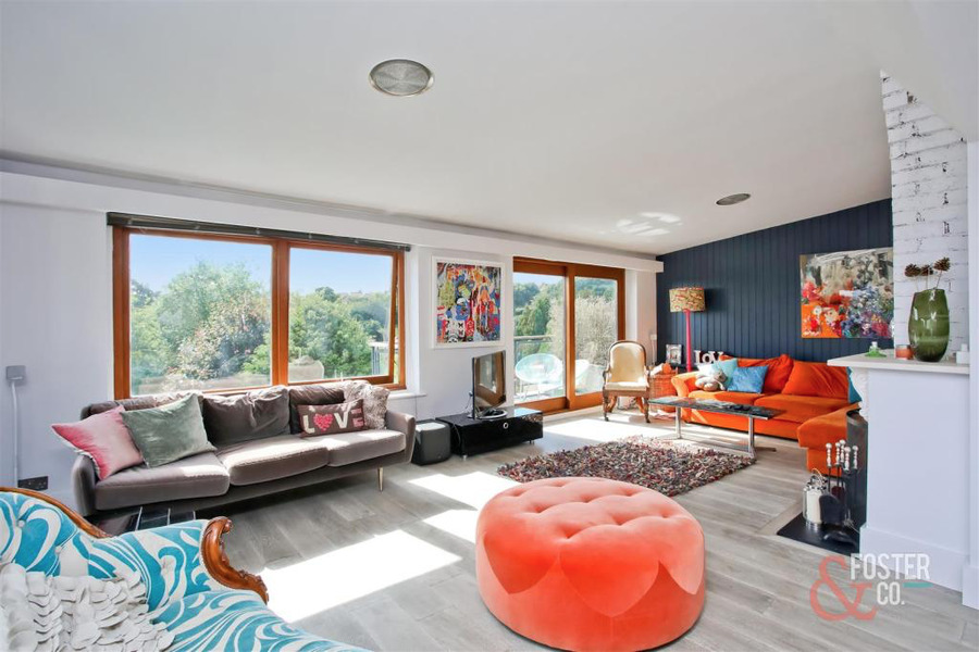 Brighton_living room