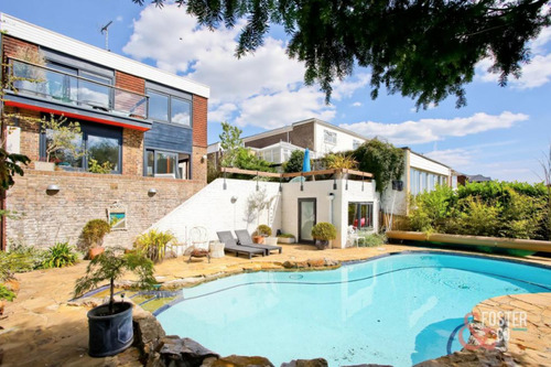 Love Home Swap Brighton pool