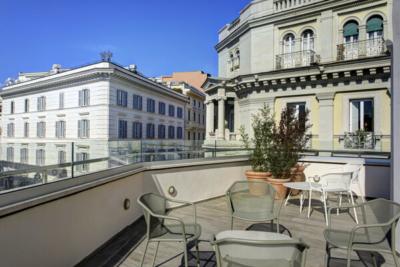 DoubleTree Rome hotel junior suite terrace