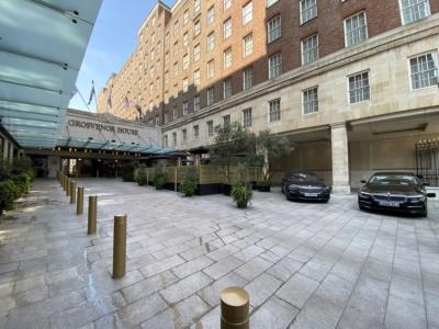 JW Marriott Grosvenor House forecourt 2