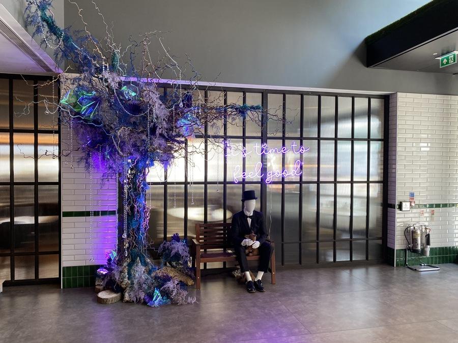 Hilton London Bankside lobby art
