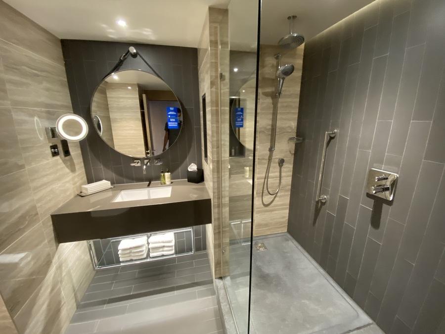 Hilton London Bankside shower room