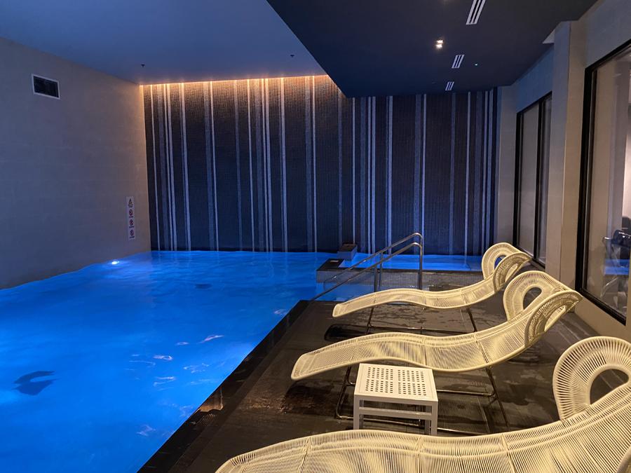 Hilton bankside pool