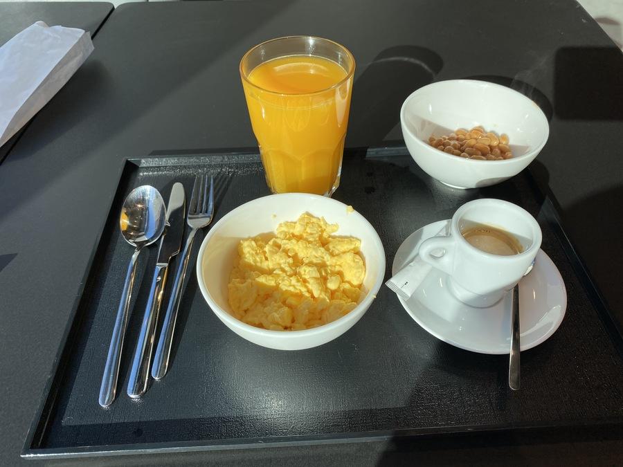 Moxy Lisbon City breakfast