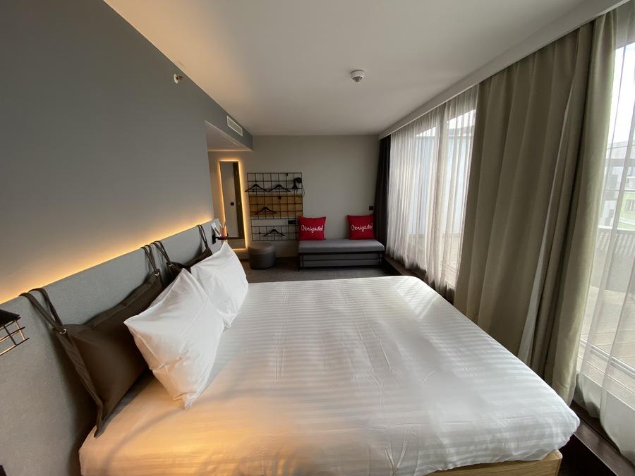 Moxy Lisbon City room 2