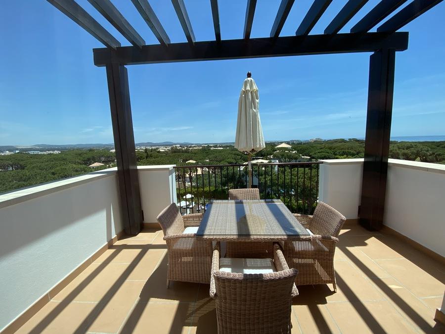 Pine Cliffs Ocean Suites balcony