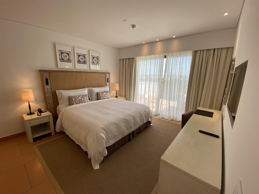 Pine Cliffs Ocean Suites bed