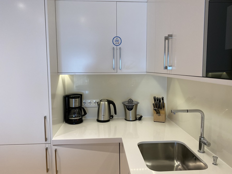 Pine Cliffs Ocean Suites kettle juicer