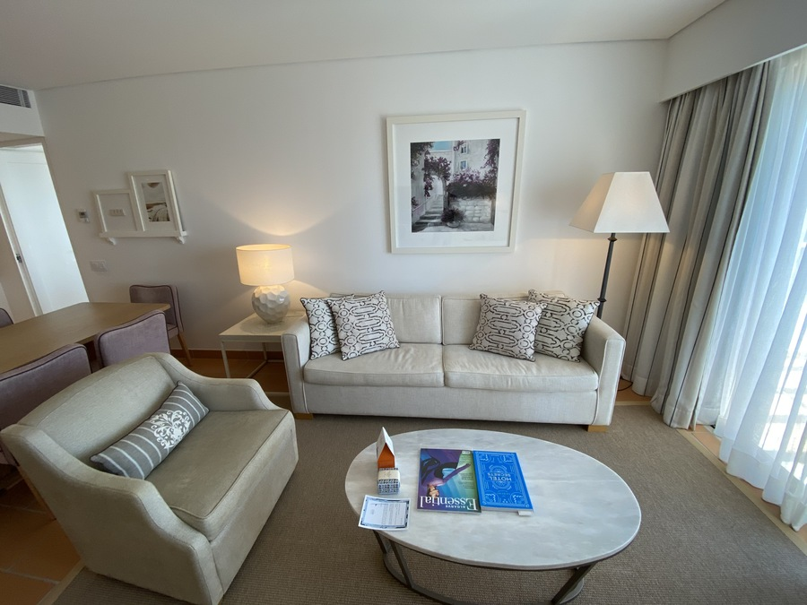 Pine Cliffs Ocean Suites living room