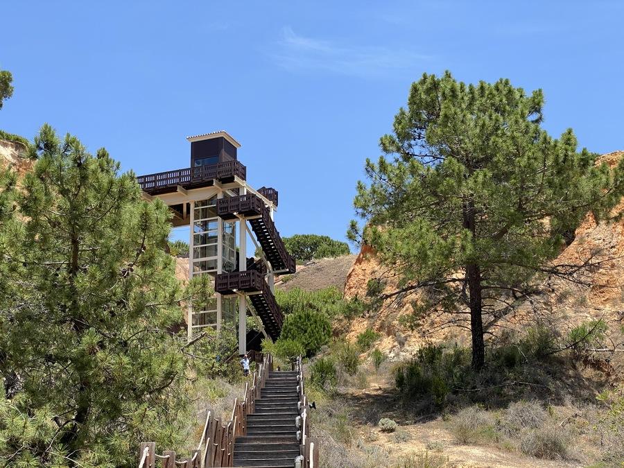 Pine Cliffs beach lift