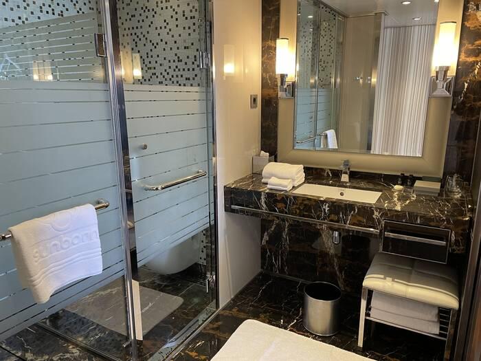 Sunborn Yacht Hotel Gibraltar bathroom