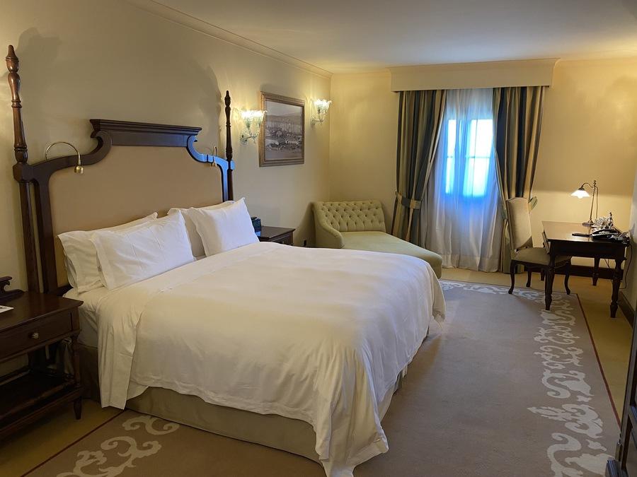 Castillo Hotel Son Vida heritage room