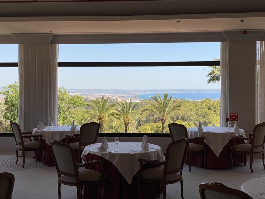 Castillo Hotel Son Vida restaurant view