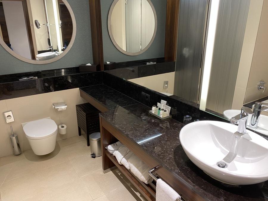 Sheraton Mallorca Arabella bathroom