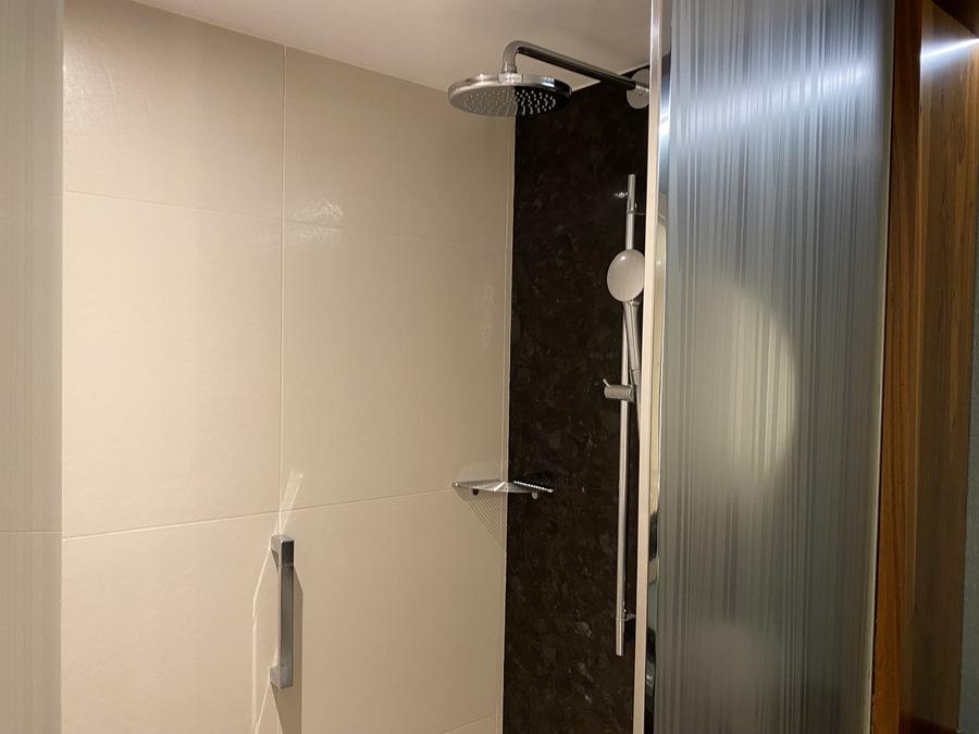 Sheraton Mallorca Arabella shower