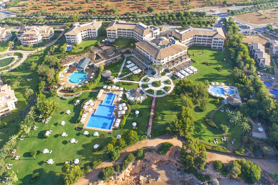 St Regis Mardavall Resort overview