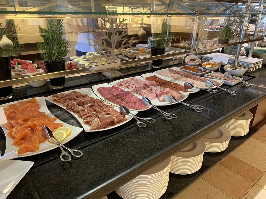 St Regis Mardavall breakfast buffet meats