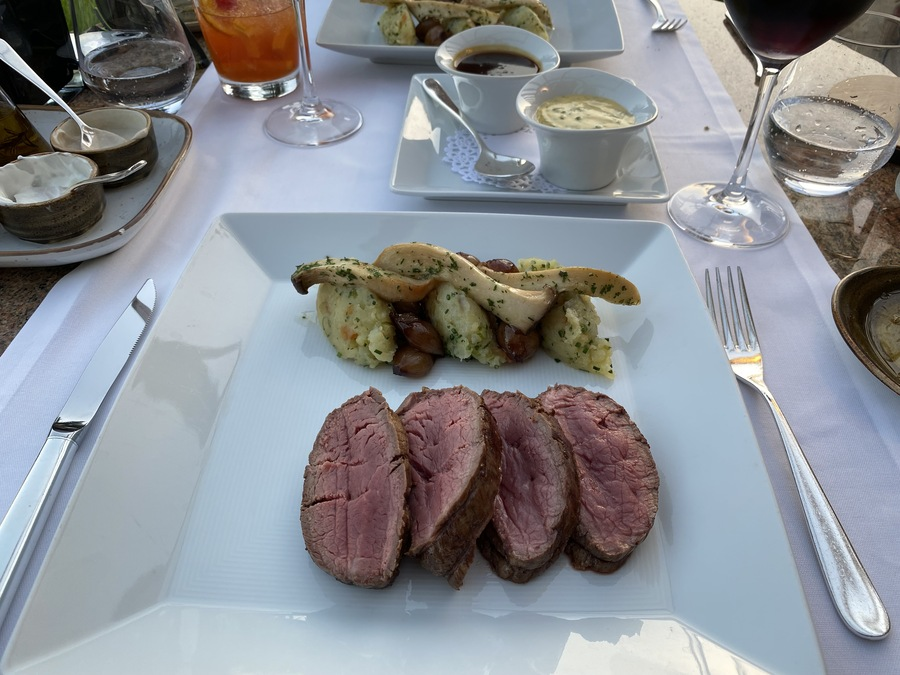 St Regis Mardavall chateaubriand plate