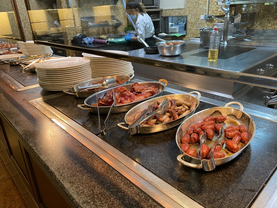 St Regis Mardavall cooked breakfast