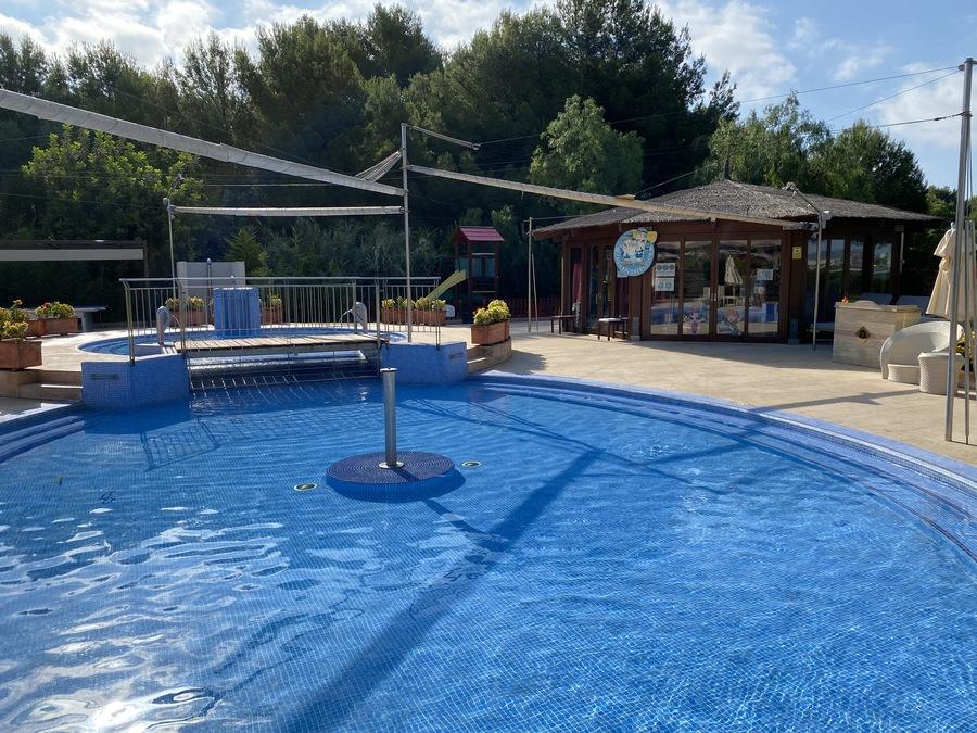 St Regis Mardavall kids pool