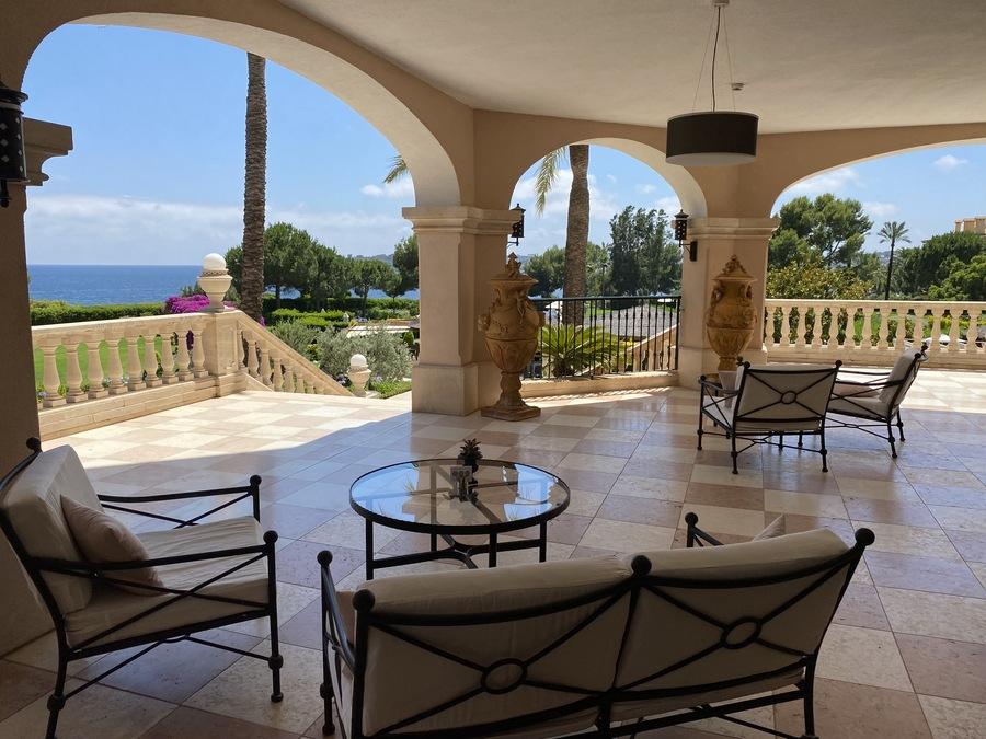St Regis Mardavall lobby terrace