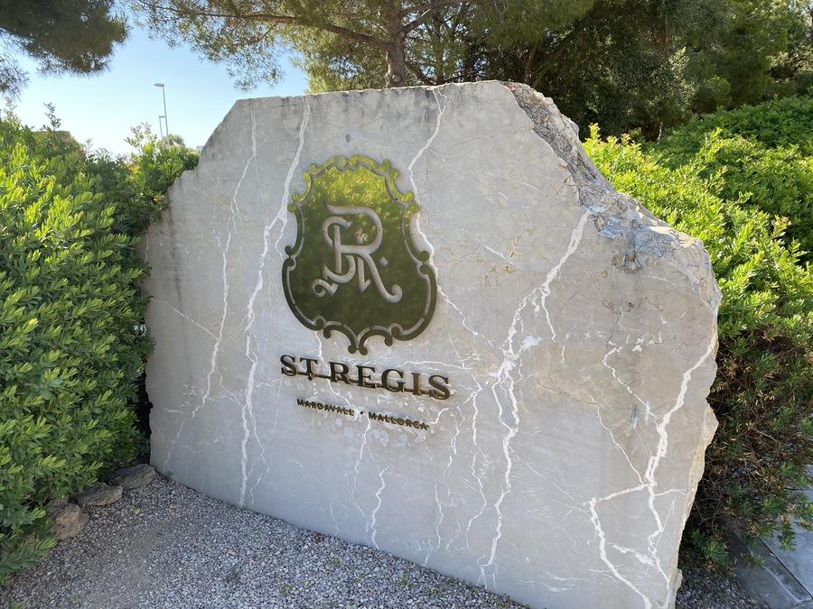 St Regis Mardavall sign