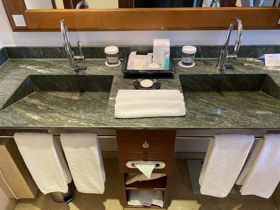St Regis Mardavall sinks