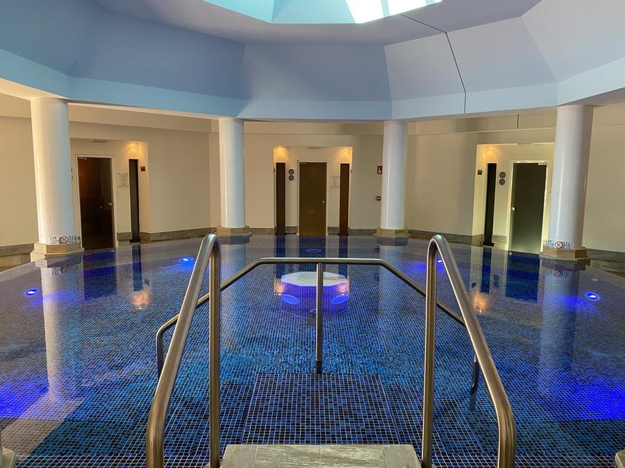 St Regis Mardavall spa salt pool