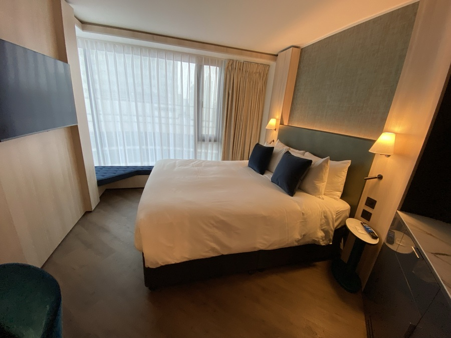 The Westminster London hotel bedroom