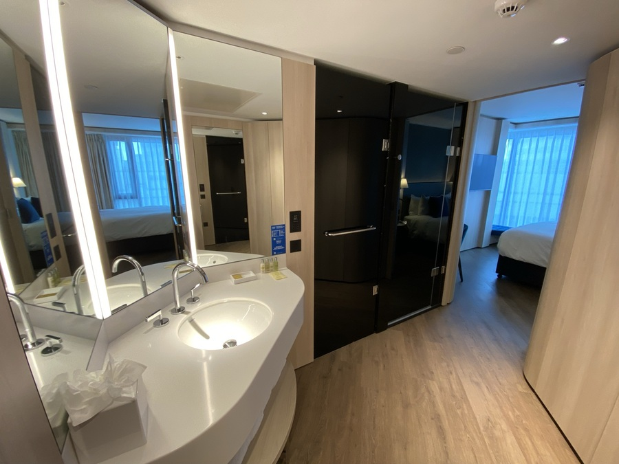 The Westminster London hotel room