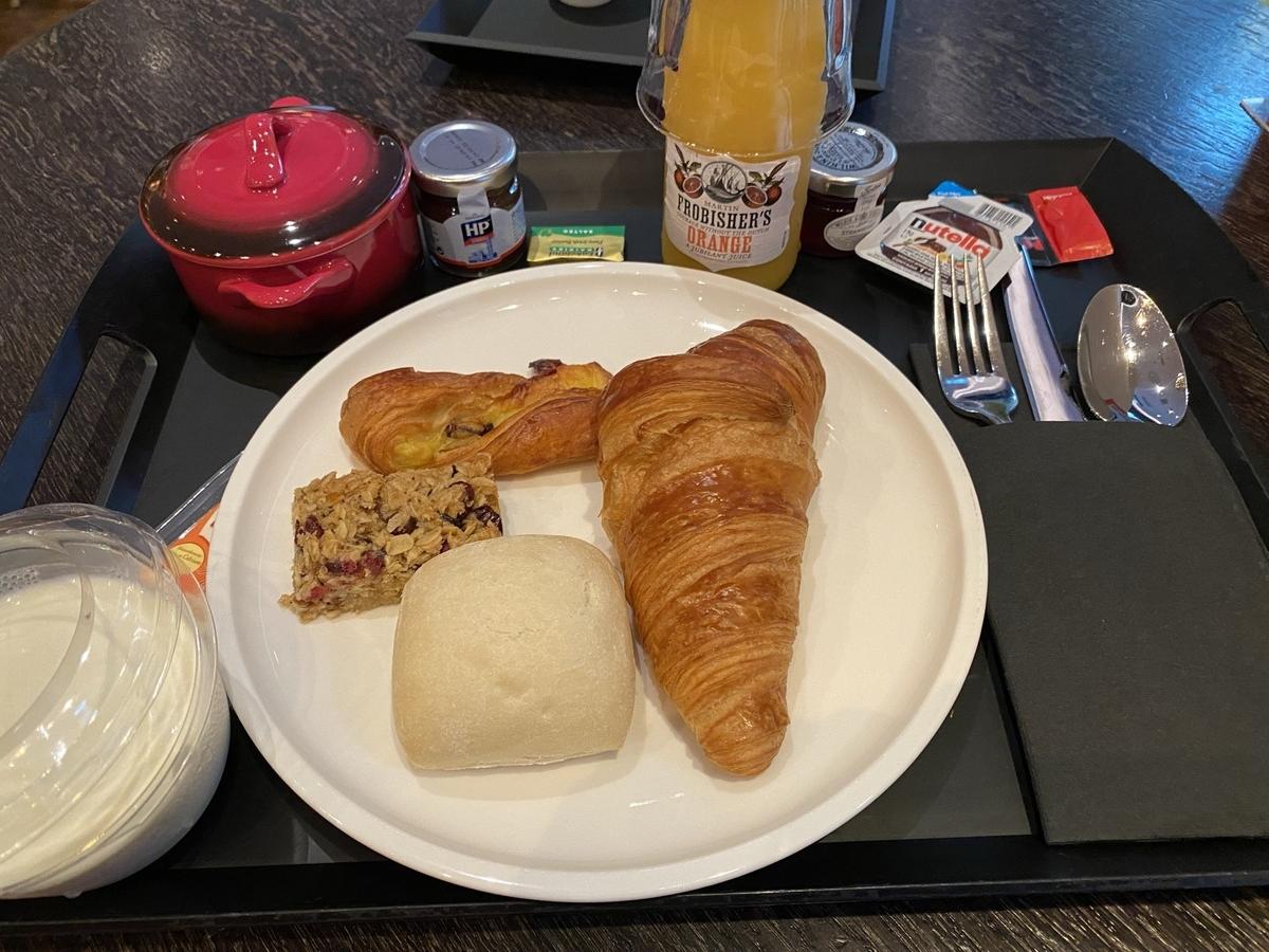 citizenM Tower of London breakfast