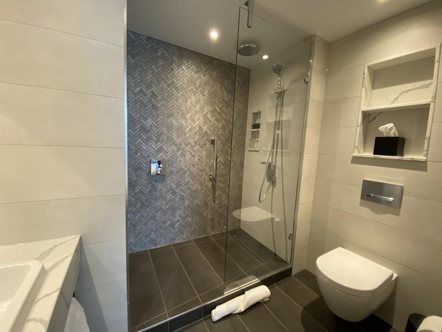 Fellows House Cambridge shower