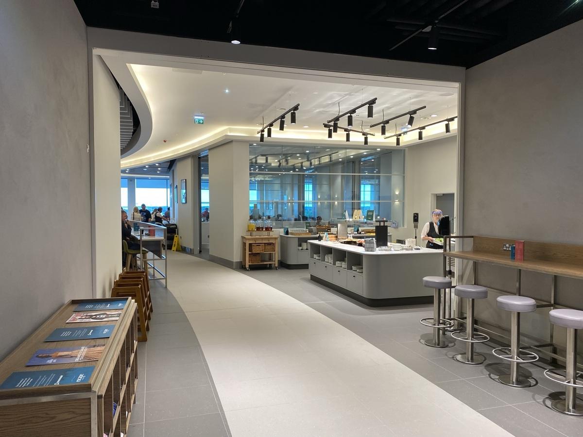 Manchester Airport T2 Escape Lounge entrance