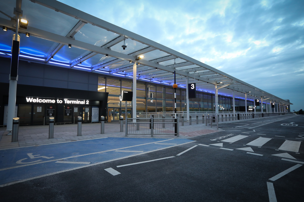 Manchester Airport T2 entrance